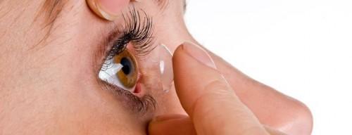 soczewki kontaktowe zakładanie